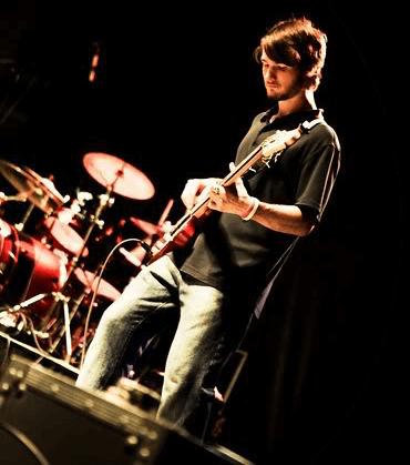 Chris Ulery Leading Worship